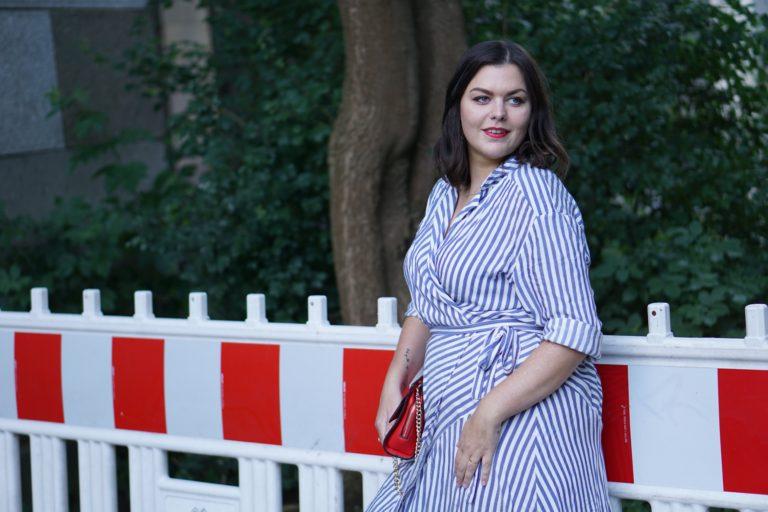 Anna Curve Wrap Dress Stripes 038 Red Details file name