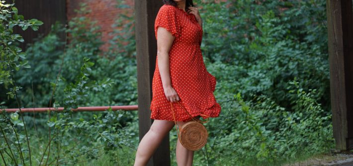 Anna Curve Red Dress with Volant 038 Polka Dots file name