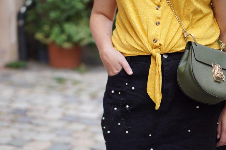 Anna Curve Denim Skirt Pearls 038 Crop Top file name