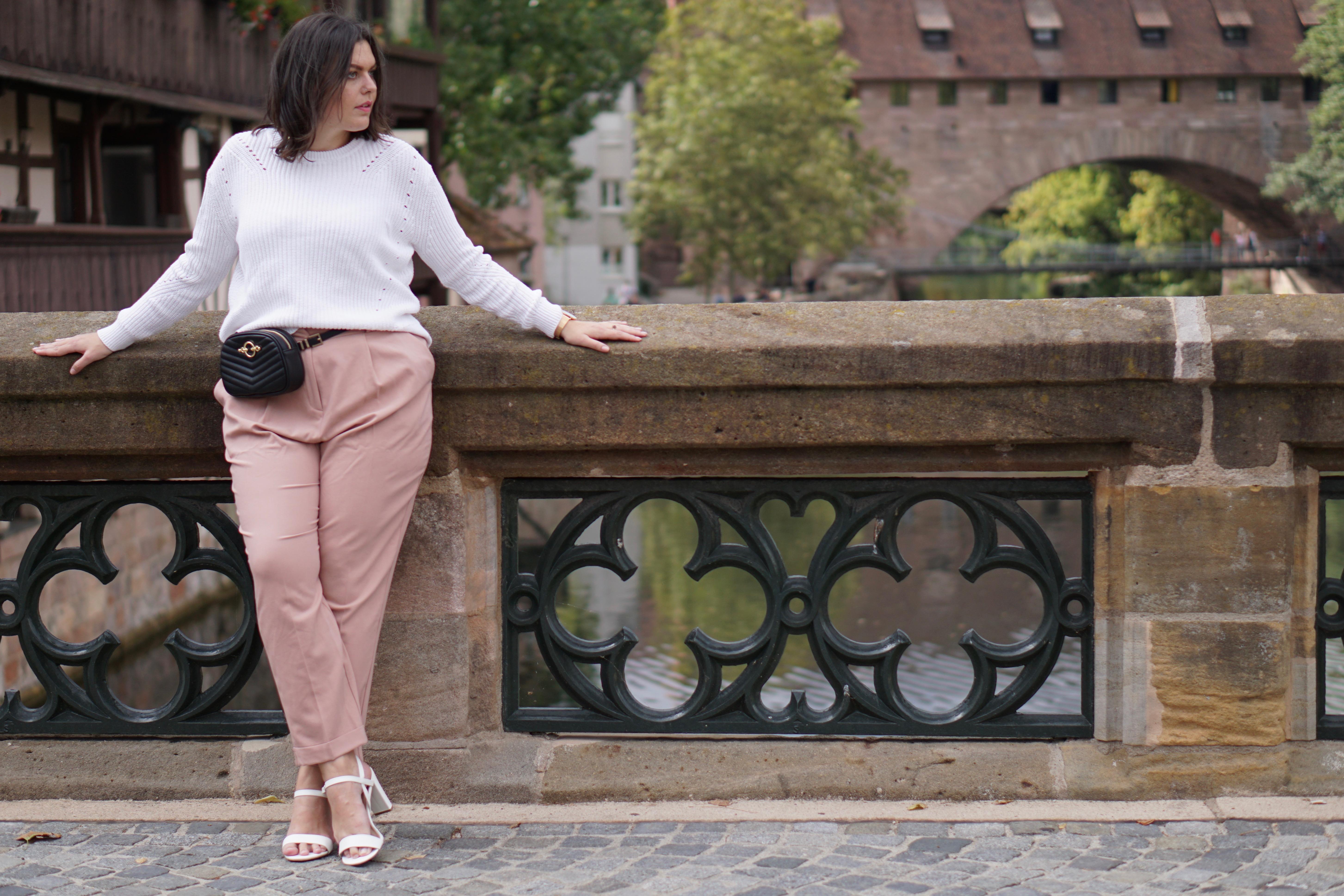 Wool Sweater, Rosé Pants & Beltbag