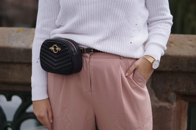 Anna Curve Wool Sweater Ros Pants 038 Beltbag file name