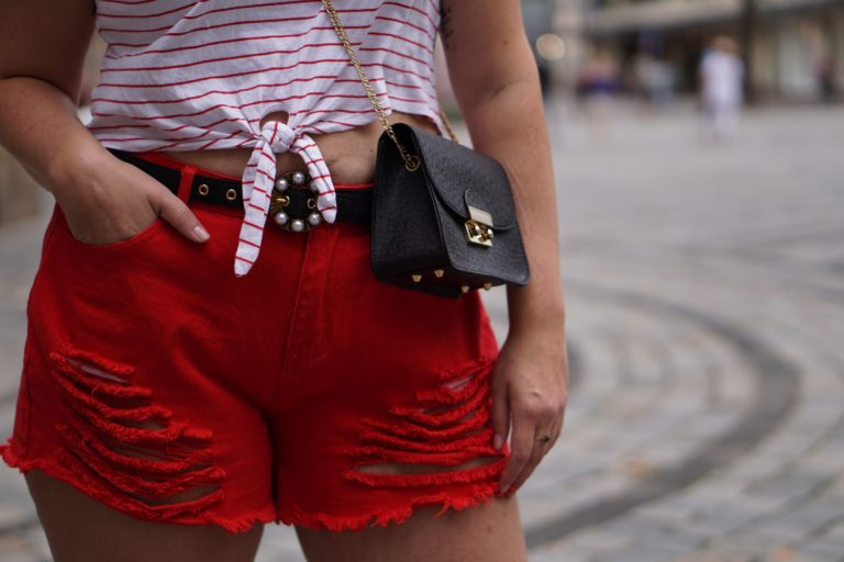 Anna Curve Red Shorts 038 Crop Top file name