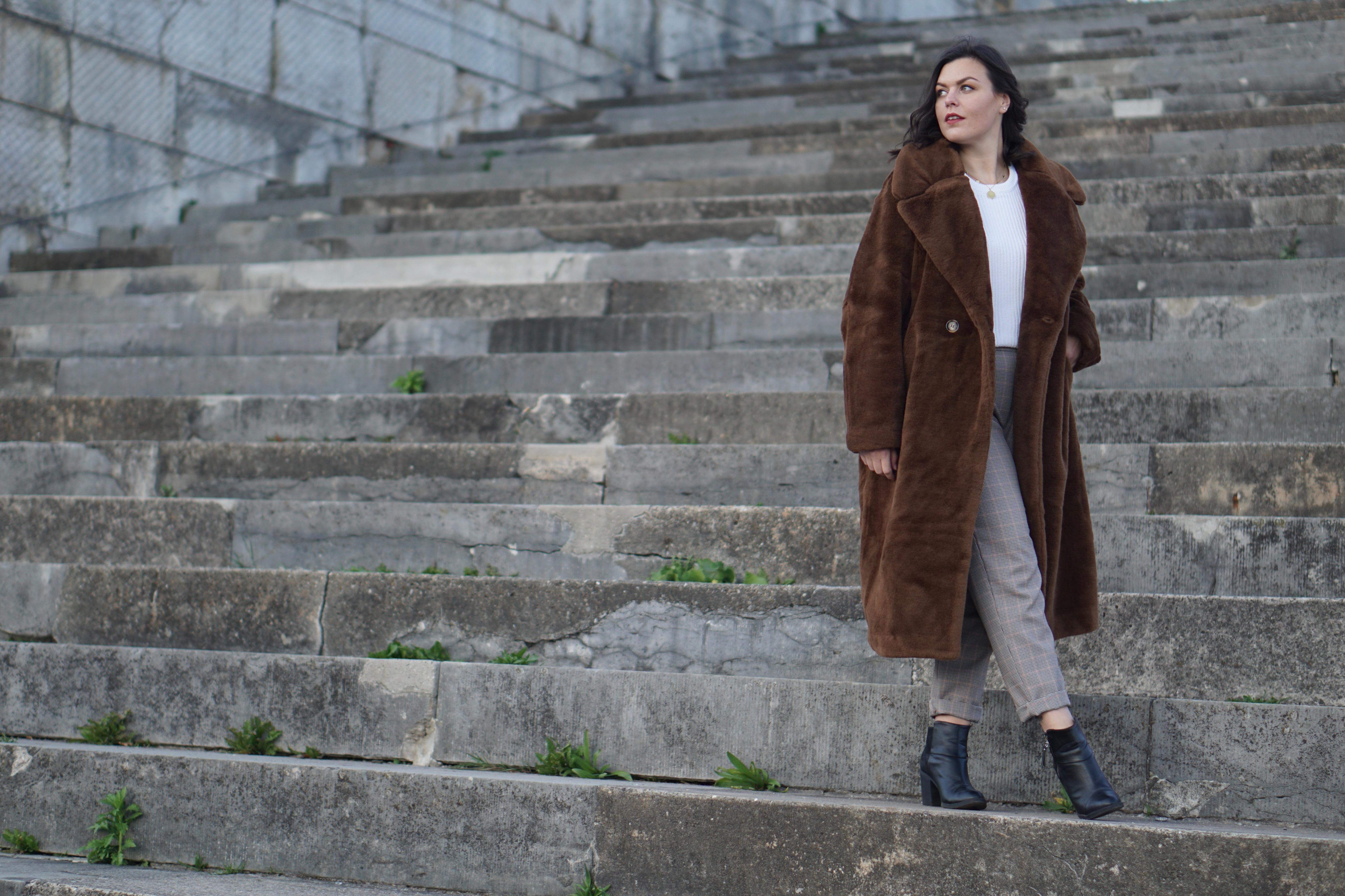 Teddy Coat & Karo Pants