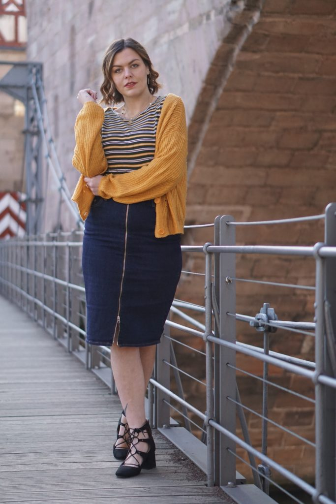Anna Curve Denim Skirt 038 Bright Colours file name