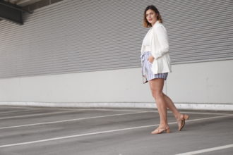Anna Curve White Blazer 038 Linen Shorts file name